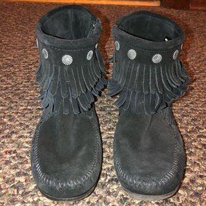 Black Minnetonka Moccasins